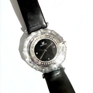Vintage Round Crystal Swan Swarovski Women's Watch